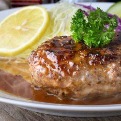 100% Beef Hamburger (2pcs) / 100%牛肉ハンバーグ