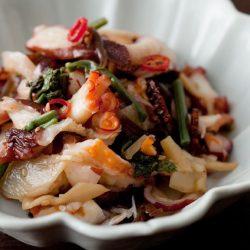 Ajirushi Umi no Shokudo Chinese Style Octopus with Wild Vegetables (Tako Sansai) 100g / AJIRUSHI 海の食堂 中華たこ山菜